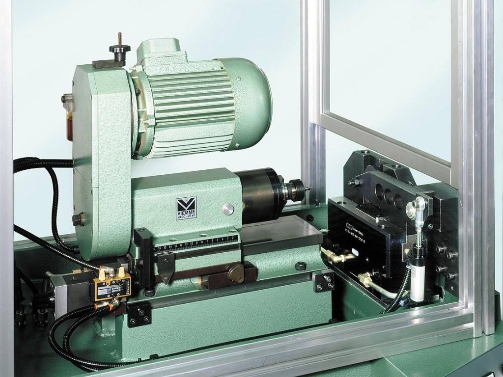 Centratrice semiautomatica per barre piene fig2